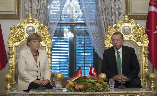 Erdogan diz aos turcos na Alemanha para votarem contra Merkel