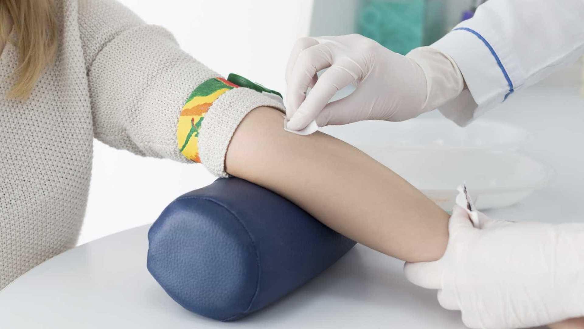 Novo exame de sangue identifica oito tipos de câncer