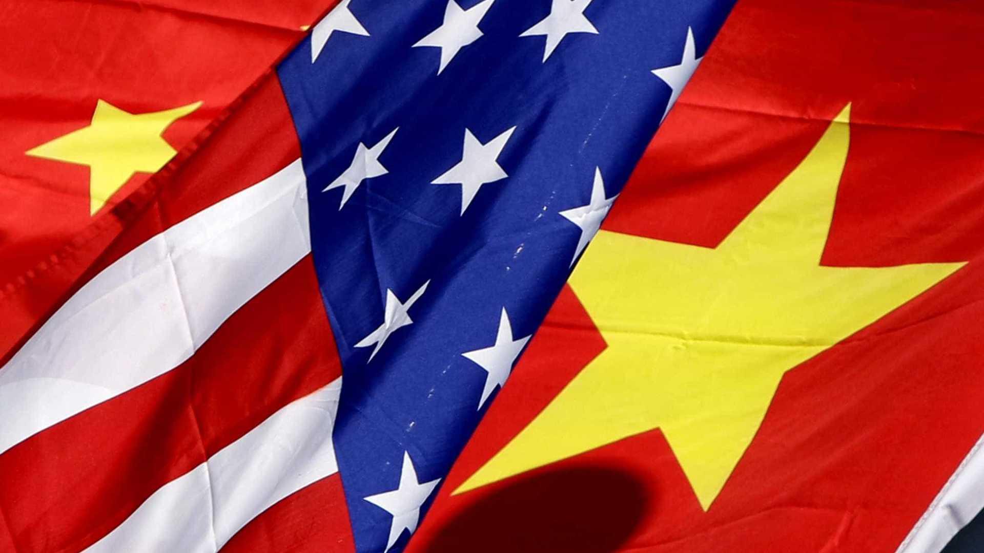 Trump nega viver 'guerra comercial' com a China