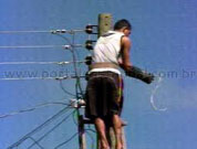 Electra dismantles illegal electrical grid serving 60 homes in Mindelo